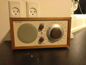 Min lille radio som bl.a. er skyld i, at jeg betaler licens :)