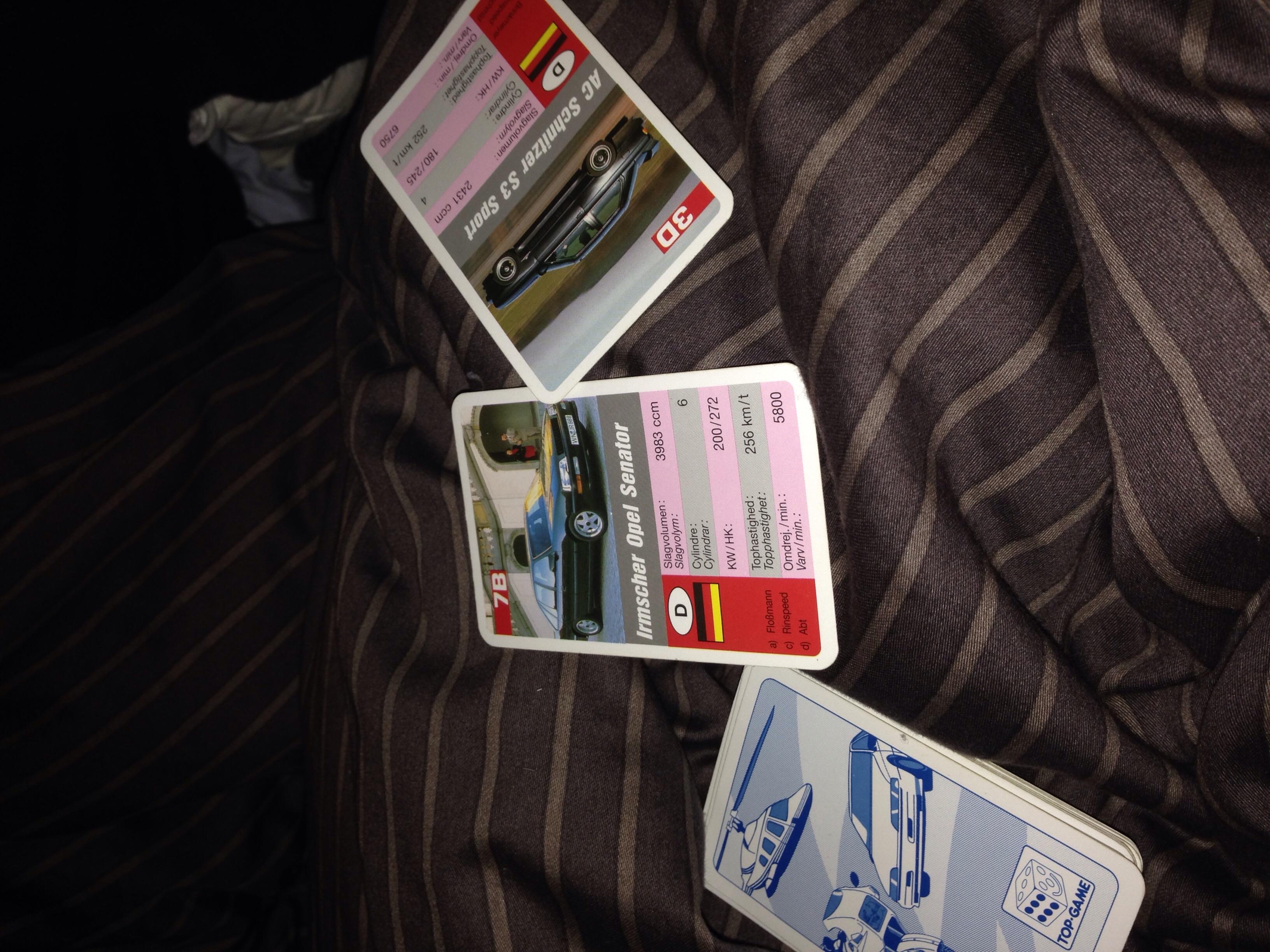 Lørdag aften gik med at vinde over Manden i bilkort - vel og mærke mine kort fra gymnasiet ;)
