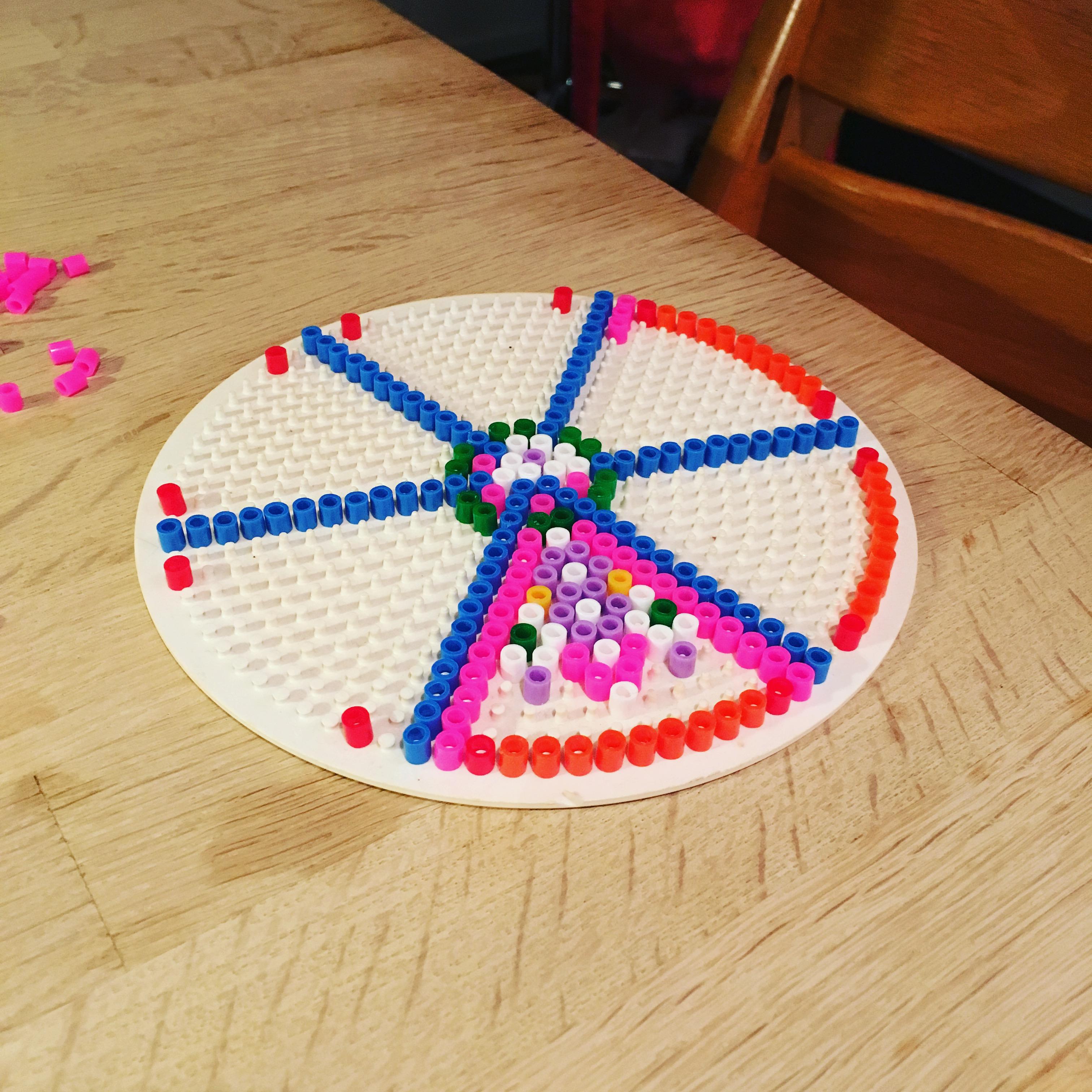 Jeg stod op søndag morgen kl. 6, for at se på at min datter lavede perleplade...