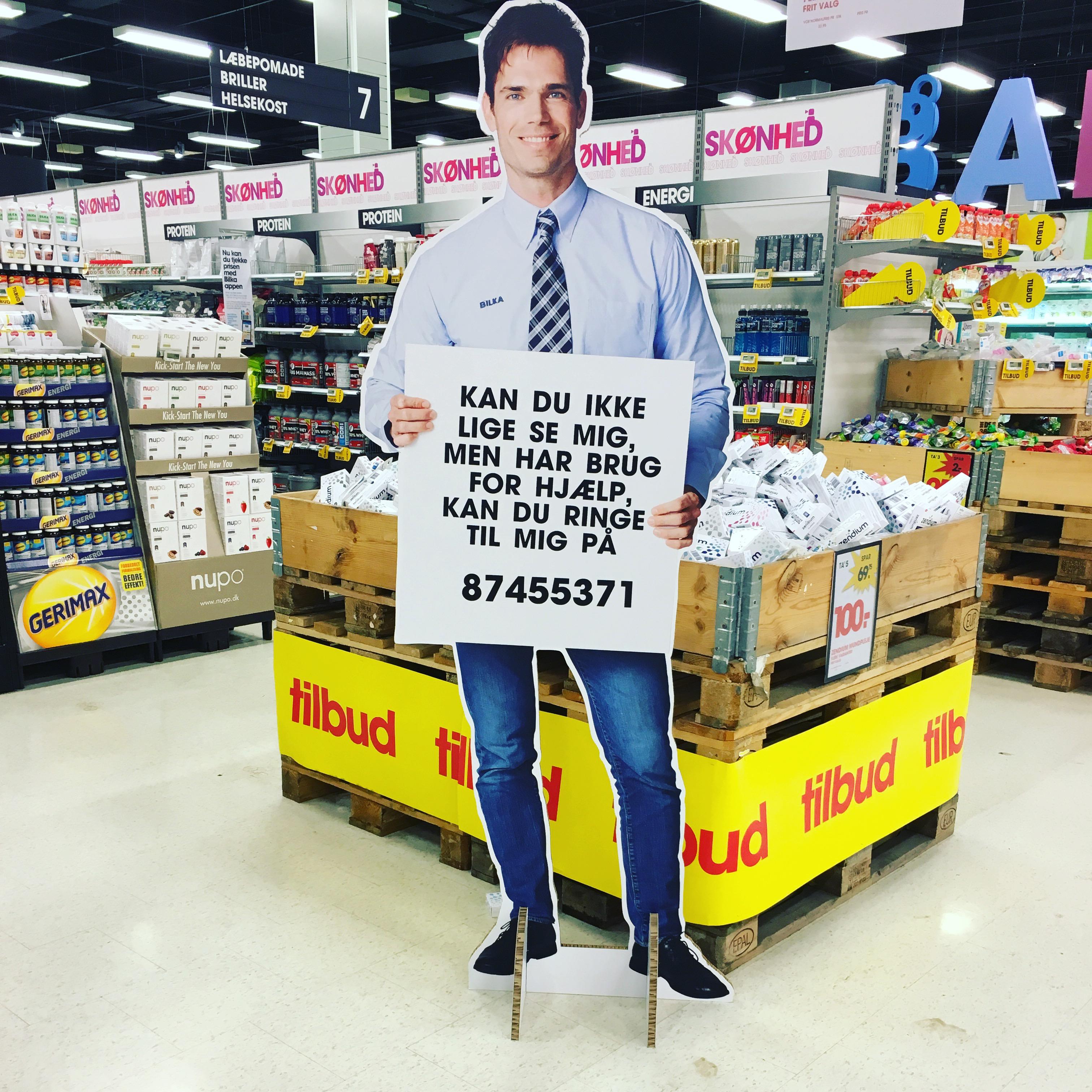 I Bilka vil denne mand gerne hjælpe mig - hep hey to all the single ladies... ;)