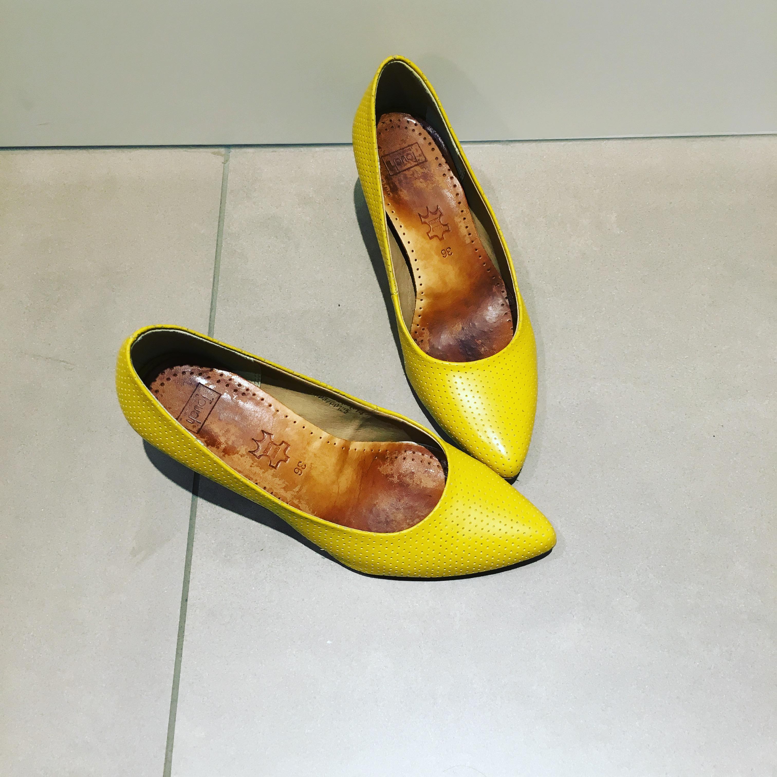 De gule sko blev luftet til middagen :)